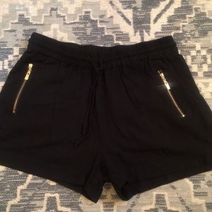 Seafolly gorgeous poolside shorts - size Large